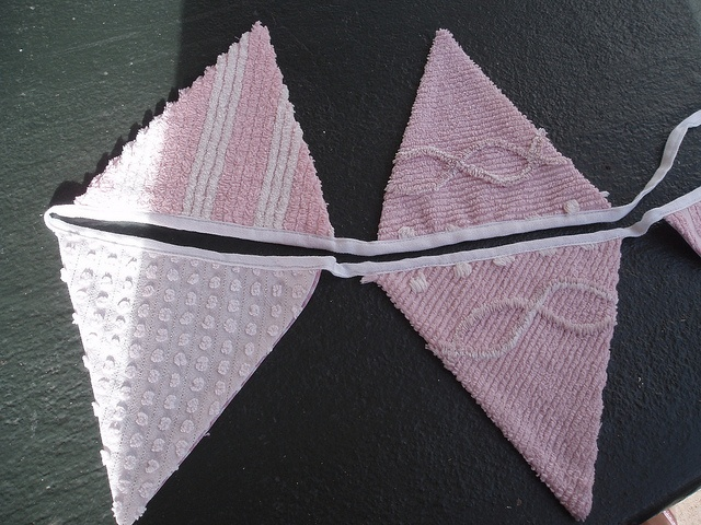 chenille bunting!!!: Cloth Chenille Ahhh, Chenille Bunting, Buntings Banners Garland, Chenille Things, Craft Ideas, Banners Buntings, Fabric Fantastic, Charming Chenille