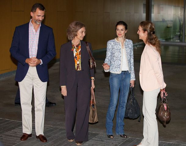Spanish royal family rally round King Juan Carlos after hip operation