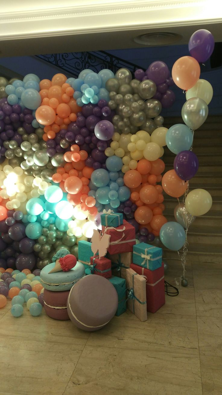 25 best ideas about balloon wall on pinterest balloon for Balloon decoration on wall for birthday