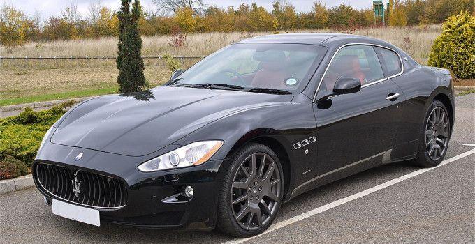 Красивая Maserati GranTurismo купе