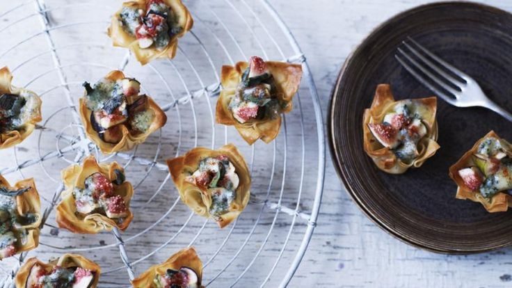 Blue cheese and fig tarts