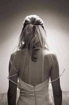 short silk lined wedding veil. tradition + simplicity.