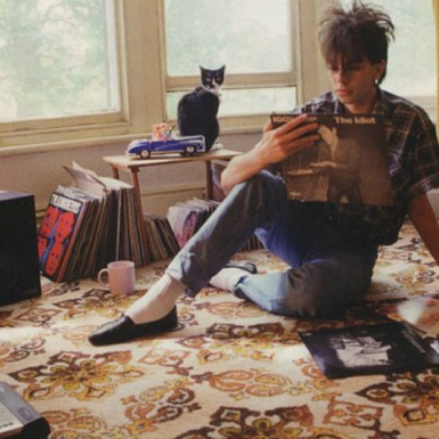 Ian McCulloch of Echo and the Bunnymen - early 80's living room music