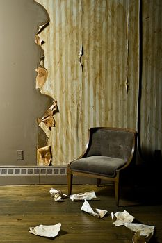 Could be good to know someday...  How to Remove Wallpaper Easily using fabric softener