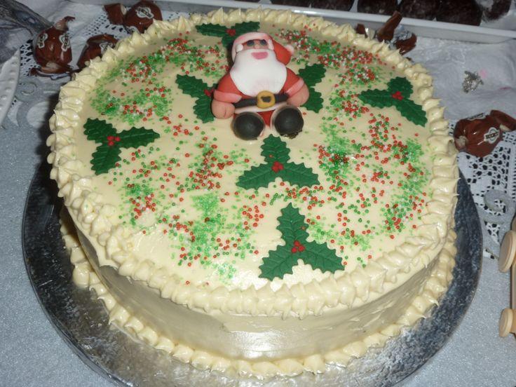 Bolo de Natal....feito pela Nádia 2014