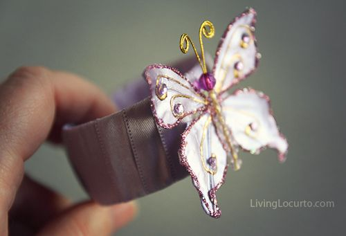 Recycled Bracelet craft for kids {Craft Camp} by living locurto for skip to my Lou.