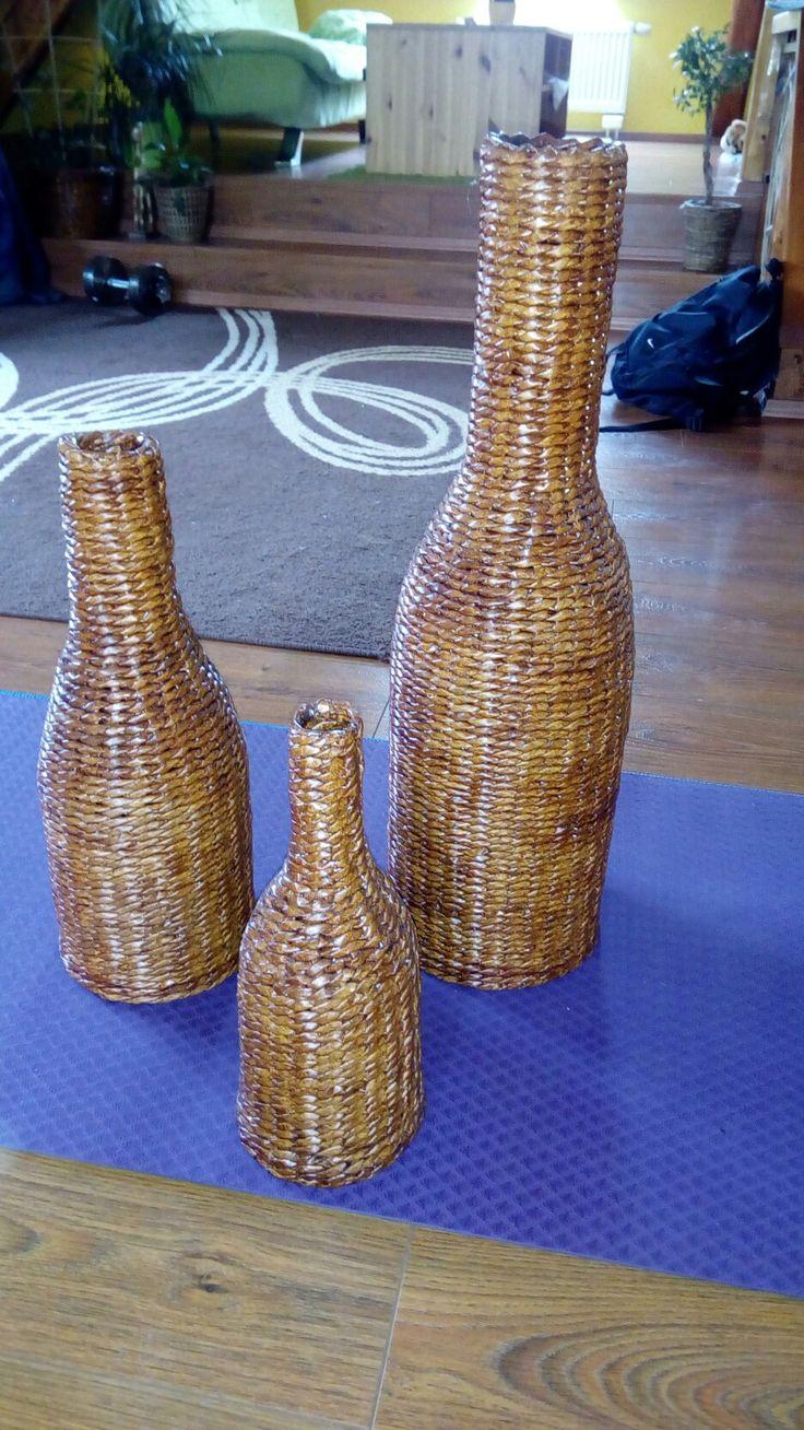 Vázy z papírových ruliček