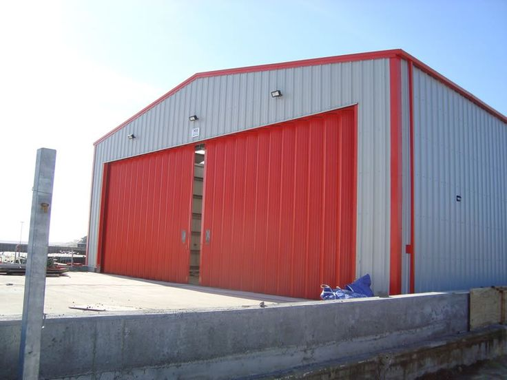 Basically, there are five types of metal structures that firms manufacture, which are:  ·        Commercial structures;  ·        Residential metal structures;  ·        Government Buildings;  ·        Agricultural steel Buildings  ·        Industrial steel buildings   These structures are further explained....