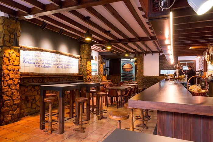 Muebles vintage para decoraci n de bares y restaurantes de for Mobiliario para bares y restaurantes