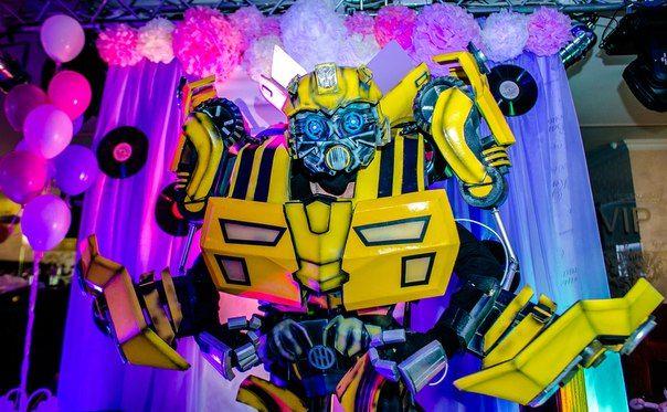 Купить костюм желтого трансформера Бамблби от Any Robots. Изгтовление любых персонажей на заказ. Каталог и цены на сайте www.any-robots.com #Транcформеры // #Bumblebee // #Бамблби #AnyRobots #cosplay #Transformer_Ukraine #costume #animator #event #производство #продажа #костюмыроботов