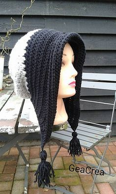Winter bonnet with tassels - free crochet pattern in English and Dutch by Gea Crea.
