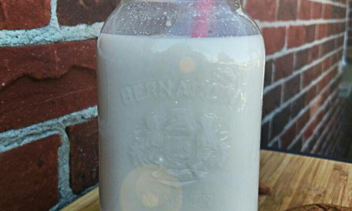 Rychlé domácí mandlové mléko :-)