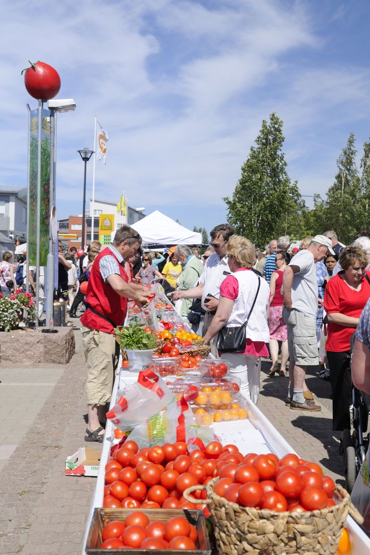 Tomato Carnival in Närpes every year in July. Photo: Närpes Turism