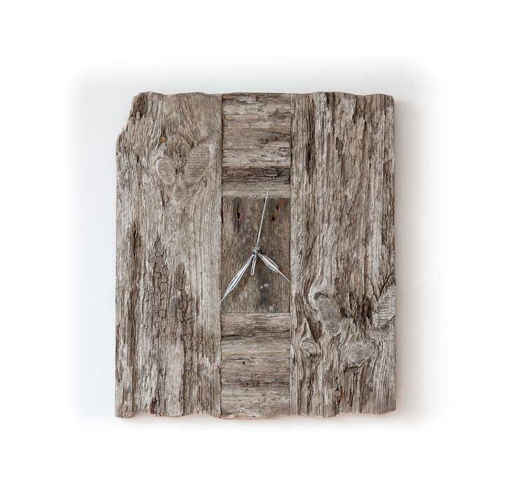 Model no 7 *). Aged wood is a beautiful way to add character to your home or garden. Developped naturally. Pine wood. Size: 45 cm x 40 cm.