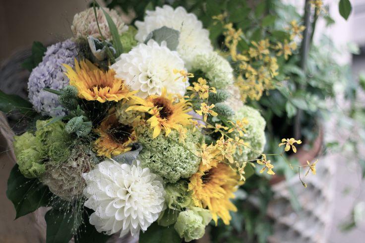 ダリア/ひまわり/ブーケ/花束/花どうらく/花屋/http://www.hanadouraku.com/bouquet