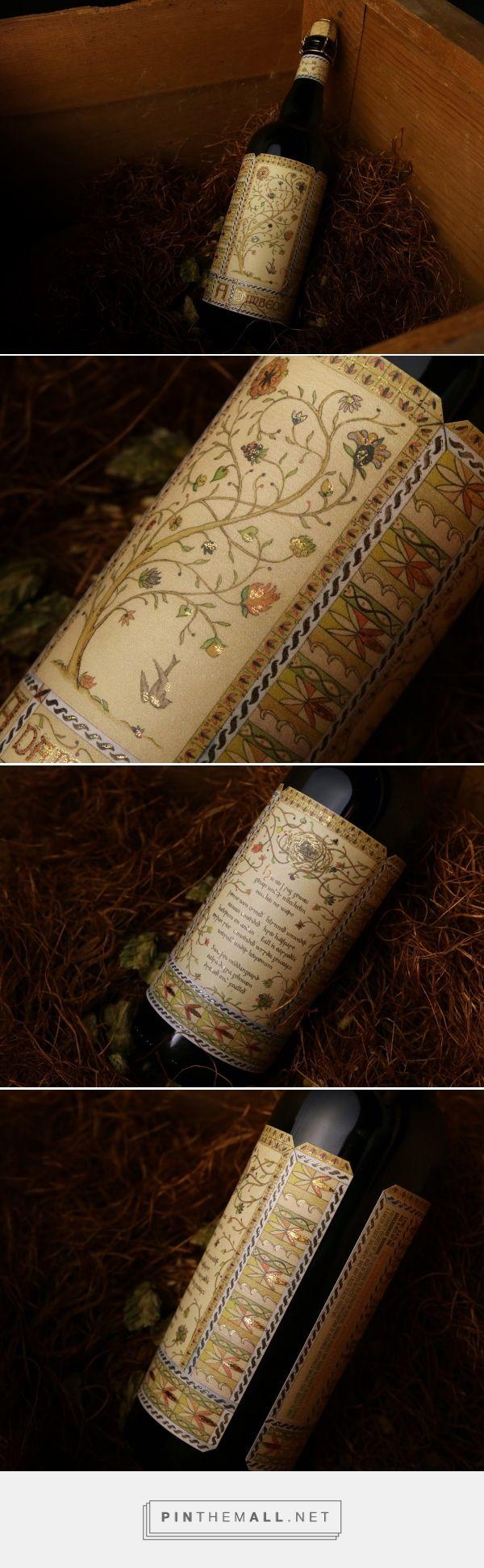 Adambeor Found beer packaging design by Watermark Design - http://www.packagingoftheworld.com/2017/12/adambeor-found.html