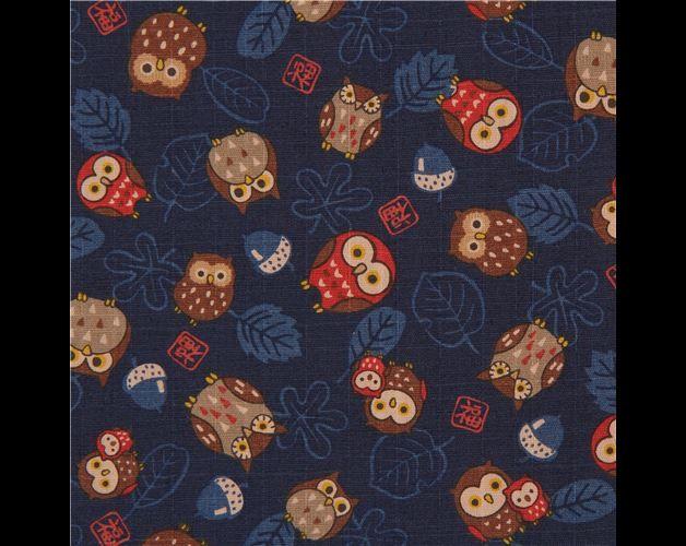 Tessuto gufi  Importato dal Giappone  tessuto blu scuro di cotone con gufi rossi e marroni e foglie il tessuto è strutturato ed è gradevole al tatto grazie alla speciale tecnica di tessitura...