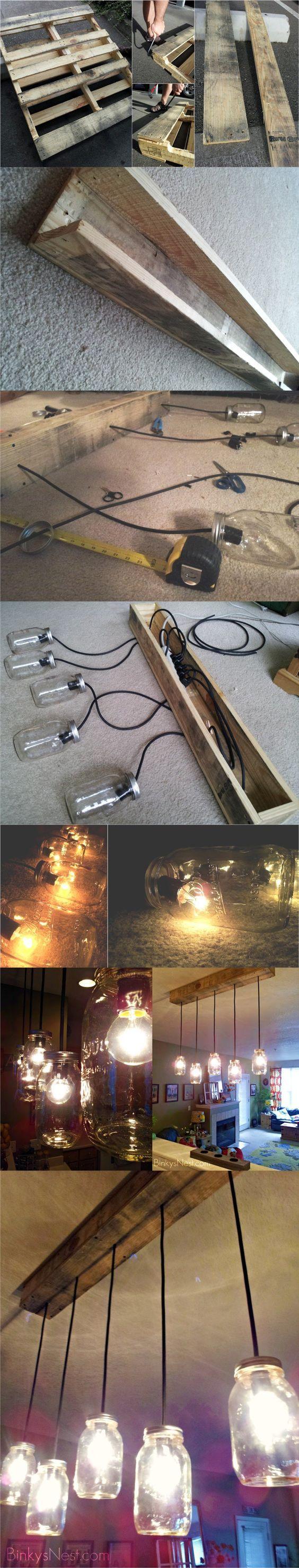 twenty8divine.com - Mason Jar & Rustic Pallet Light Fixture - Lámpara DIY de aspecto rústico