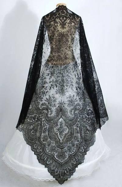 Chantilly Lace Shawl, 1860. WOW.