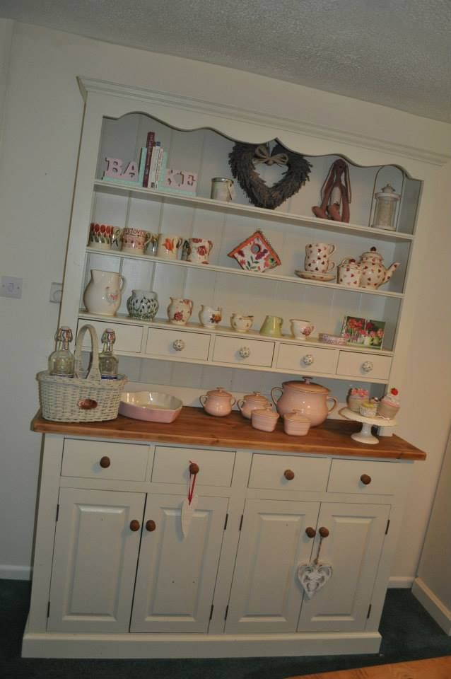 large welsh dresser....want one ( and a bigger welsh kitchen)