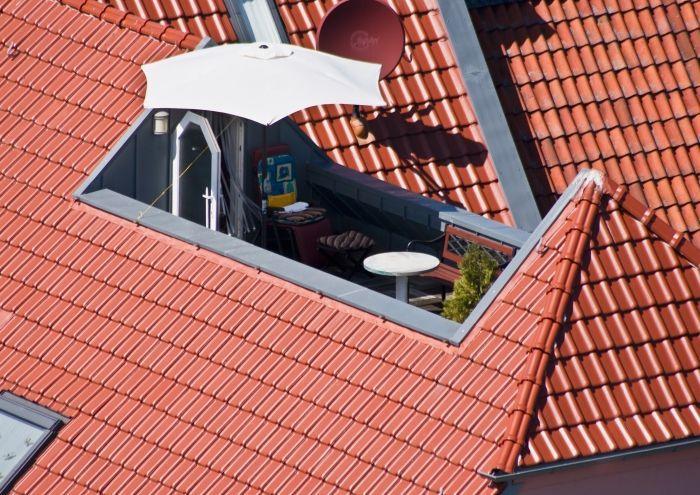 Fast jede Dachform kann eine Dachterrasse haben. – © Detlev Müller von pix