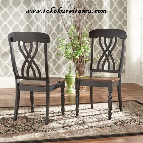 Kursi Cafe Melamic Hitam KCF-007 ini berdesain unik dan menarik terbuat dari kayu jati berkualitas yang disempurnakan dengan finishing melamic hitam.