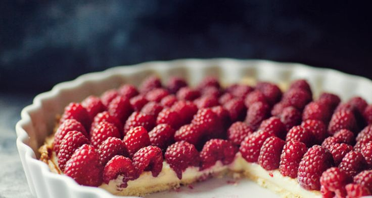 Raspberry Tart with mascarpone cheese