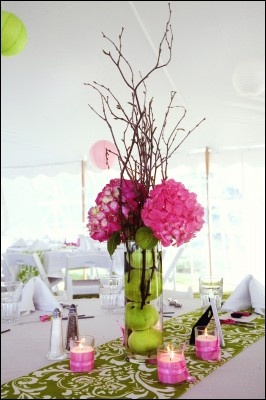 Wedding Centerpiece, Pink Hydrangea, Green Apples - Simply Blue Weddings | Time In A Frame Photography