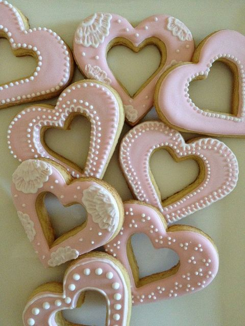 I 'heart' cookies!  Vanilla cookies with lemon royal icing detail.  https://www.facebook.com/mylittlemod