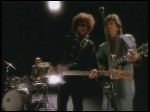 "TOM PETTY & THE HEARTBREAKERS / I WON'T BACK DOWN (1989) -- Check out the ""I ♥♥♥ the 80s!!"" YouTube Playlist --> http://www.youtube.com/playlist?list=PLBADA73C441065BD6 #1980s #80s"