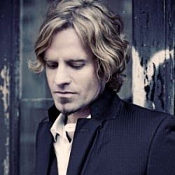 Arno Carstens will be performing at our #longlunch.