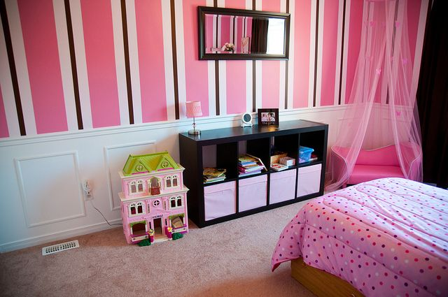 pink and brown toddler room Im thinking black instead of brown :)