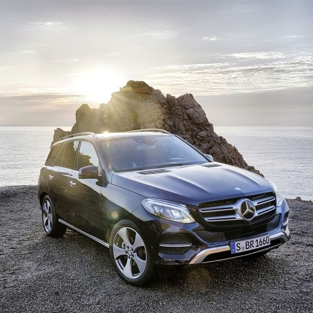 Among other variants, the all-new GLE-Class includes a standard-setting GLE350, a fuel-efficient GLE300d clean diesel and an invigorating GLE400, all of them available with advanced 4MATIC all-wheel drive. See the GLE in person soon at the New York International Auto Show and over the next few hours right here on Instagram. European Model Shown.