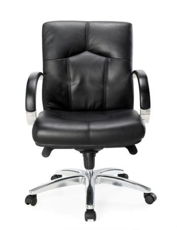 The GM Manager is a generously sized, traditionally styled black Leather Executive Chair with Padded Fixed Arms, Alloy Base and Multi Locking Swing Mechanism seated.com.au #seated #design #office #corporate
