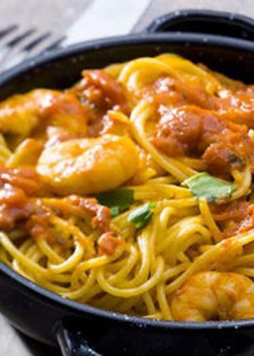 Esparguete com camarão e gengibre
