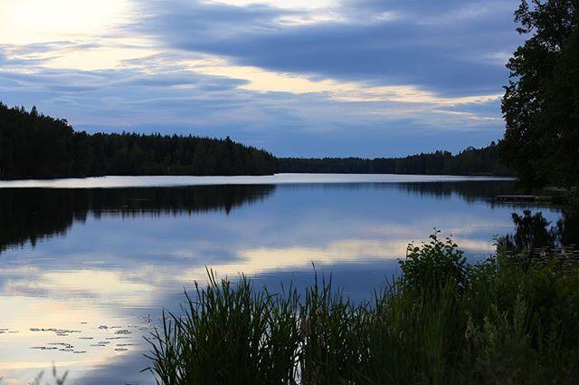 Jag saknar kvällar som denna... #norrköping #sommar #visitsweden #mernorrk #norrkoping #visitnorrköping #summer #blue #landscapephotography #summerevening #ig_cameras_united #igscandinavia
