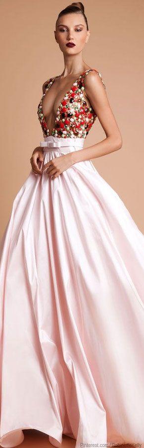 Rani Kakhem. Vorrei essere io come lei :-/.... Comuque tanti complimenti anche a chi ha disegnato il vestito!!!!!!