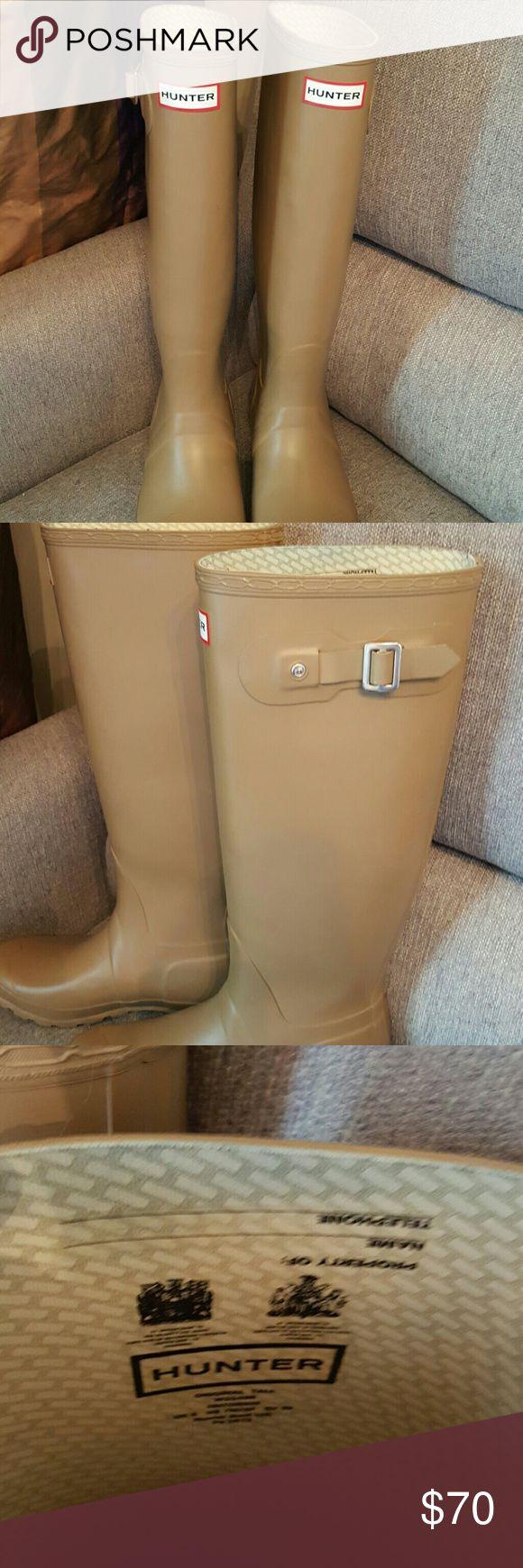 Womens Hunter boots, size 7 Khaki tall size 7. Worn maybe 3 times. Hunter Boots Shoes Winter & Rain Boots