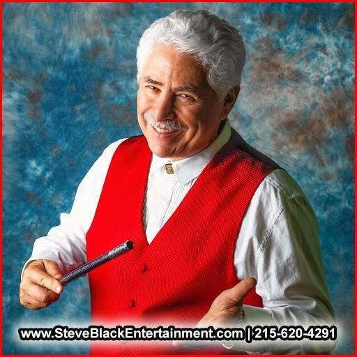 Family Reunion Entertainer HIRE Steve Black. He is a professional entertainer/magician in Bucks County, PA… CALL (215) 620-4291 for bookings and inquiries!