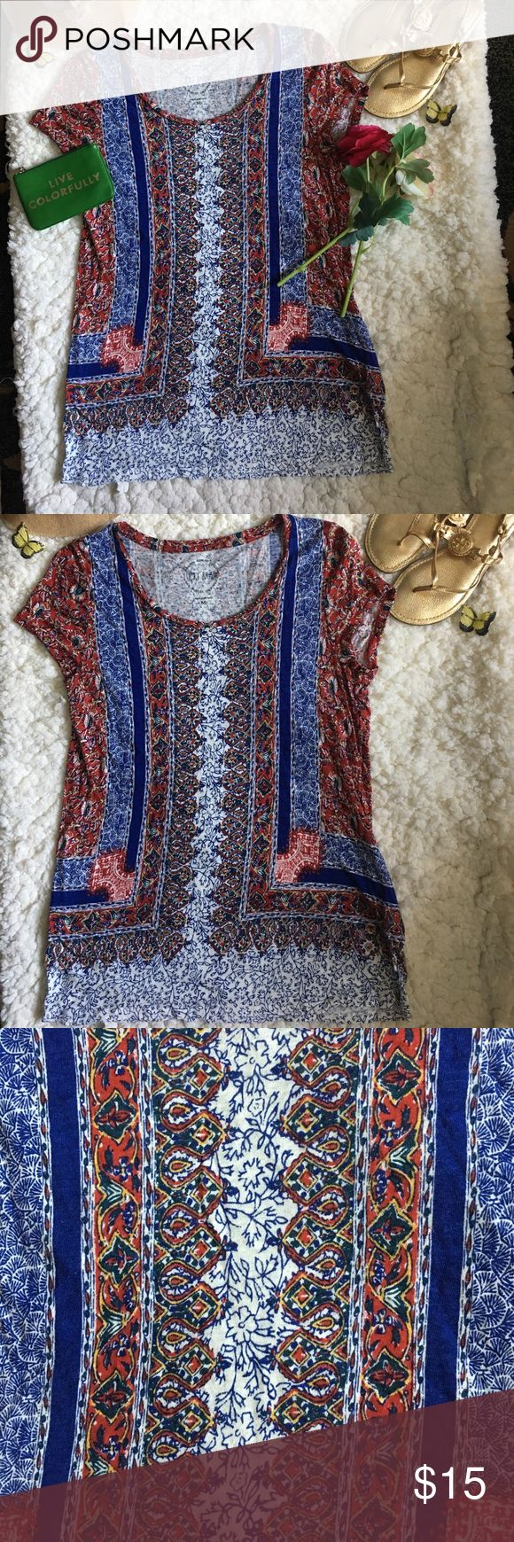 ❤Lucky Brand Top❤ ❤In great used condition Lucky Brand Top in size Medium❤️Shows minor signs of wear such as minor piling❤Please see all photos❤ Lucky Brand Tops