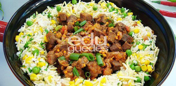 Picadinho de carne assada com arroz biro-biro