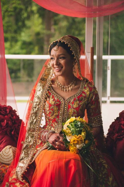 beautifulsouthasianbrides:  Photo by:Two White Doves