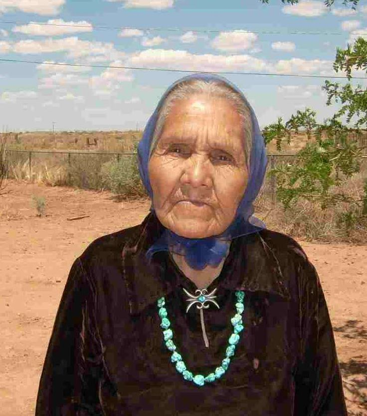 """May Shay is a Navajo weaver from """"Big Mountain"""" area.(In New Mexico)"""