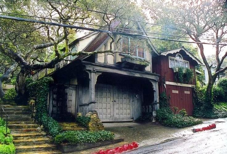dream home!Garages Doors, Dreams Home, California Dreamin, Favorite Places, Dreamy House, Humble Abode, Dreams House, Hobbit House, Bohemian Home