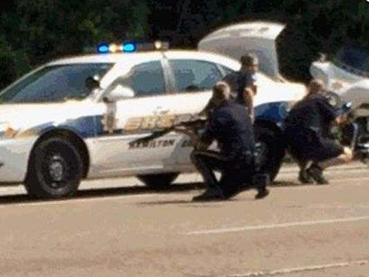 July 16 Police officer shot at Navy recruitment center in Tenn.