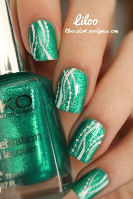 Pretty Green Nails With Yellow Instead Of White Green Nails Green Nail Art Green Nail Designs