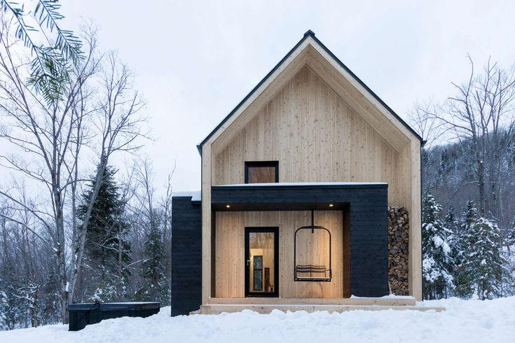 The Villa Boréale is a charming contemporary cottage located in Charlevoix, an eastern region of the Quebec Province well known for its wooded valleys, skiab...