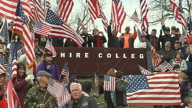 11/27/16 At least 1,000 veterans gathered in Amherst this Sunday afternoon to protest the removal of the American flag at Hampshire College.