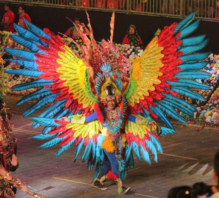 Jember Fashion Carnaval feather costume |curlytraveller.com