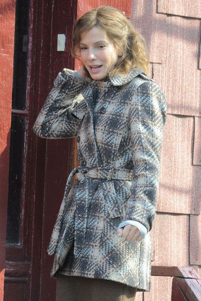 Sandra Bullock Wool Coat - Sandra wraps up in a plaid coat on the set of her latest movie 'Extremely Close and Incredibly Loud.'